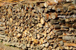Ein Brennholzspalter woodpile-1698340_1920