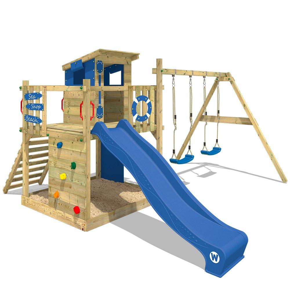 Der Spielturm mit Rutsche und Schaukeln