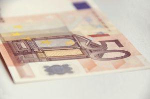 Wie kann ich Geld aus der Türkei nach Deutschland überweisen im Vergleich