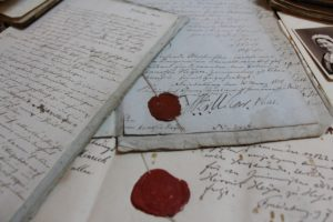 Die beglaubigten Unterlagen